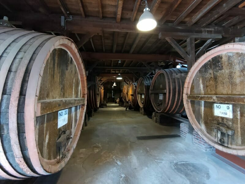 牛久シャトーのワイン樽